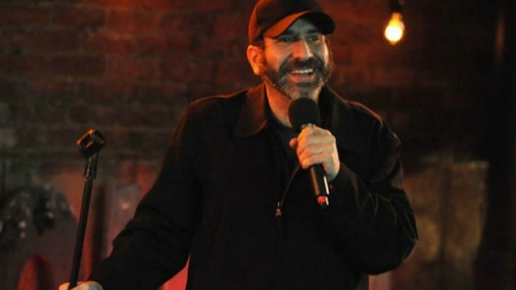 Large image of stand-Up comic Dave Attell