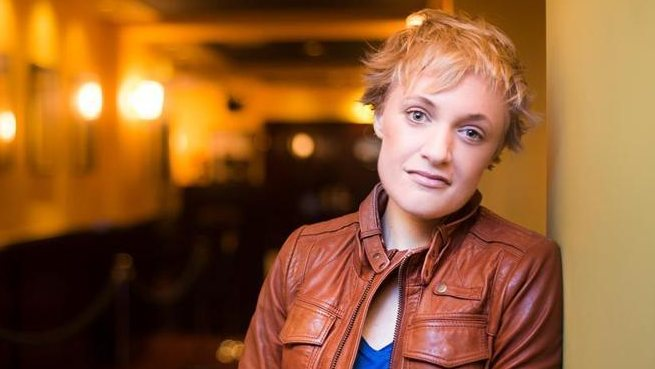 Large image of stand-Up comic Emma Willmann
