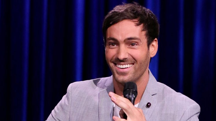 Large image of stand-Up comic Jeff Dye