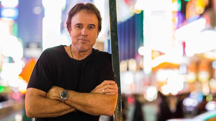 Large image of stand-Up comic Kevin Nealon