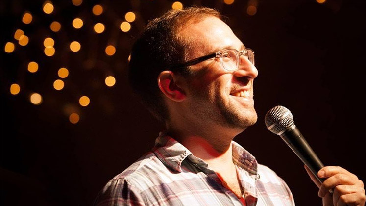 Large image of stand-Up comic Louis Katz