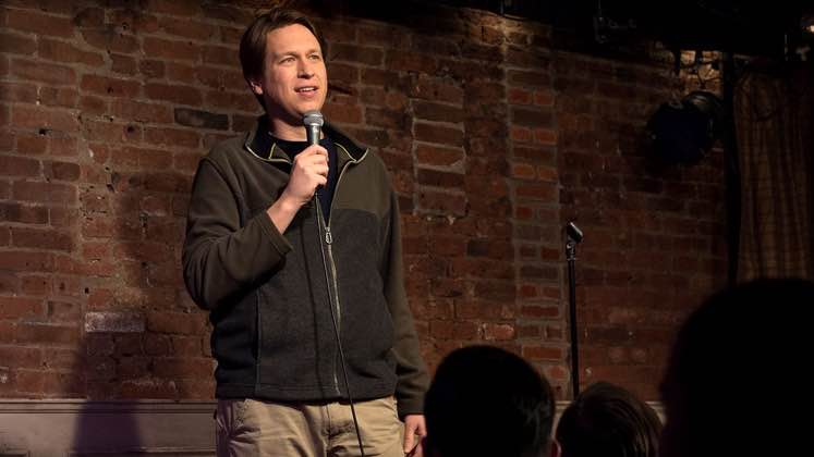 Large image of stand-Up comic Pete Holmes