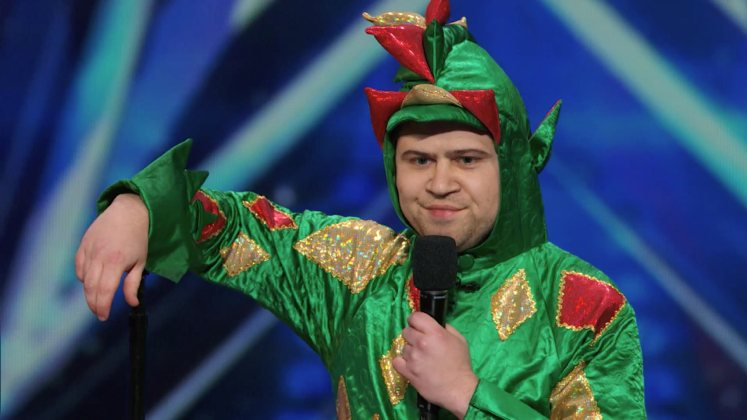 Large image of stand-Up comic Piff the Magic Dragon