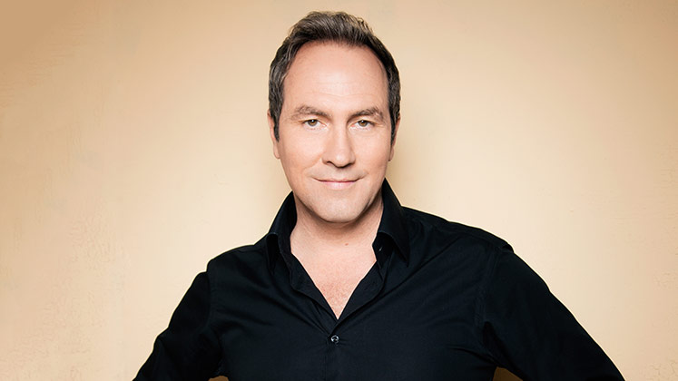Large image of stand-Up comic Tom Rhodes
